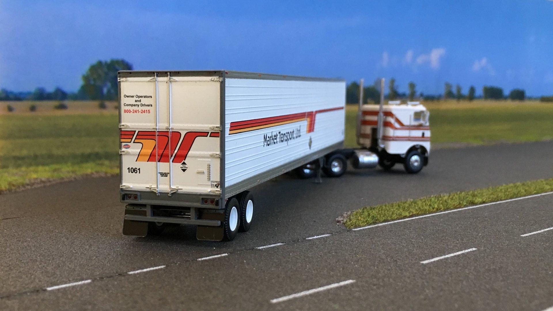 Freightliner Market Transport 04.jpg