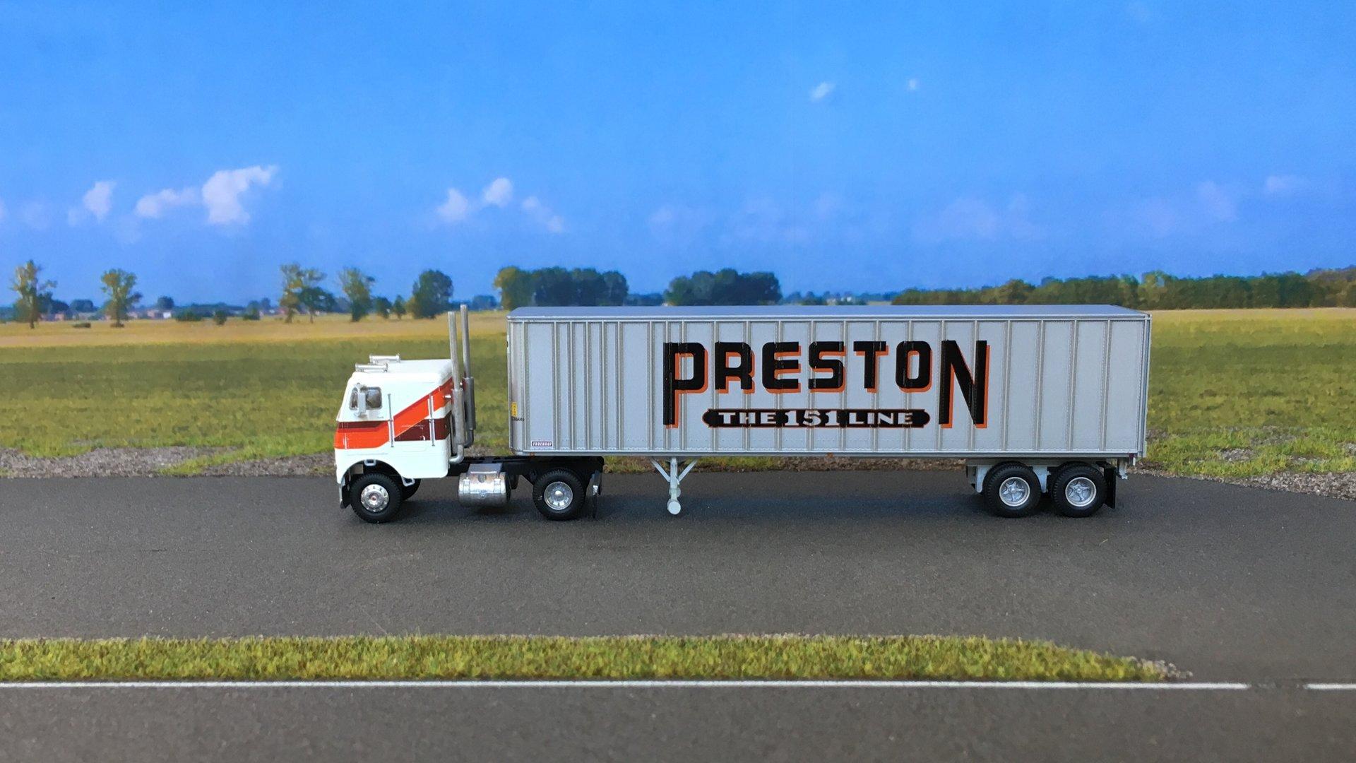 Freightliner Preston 01.jpg