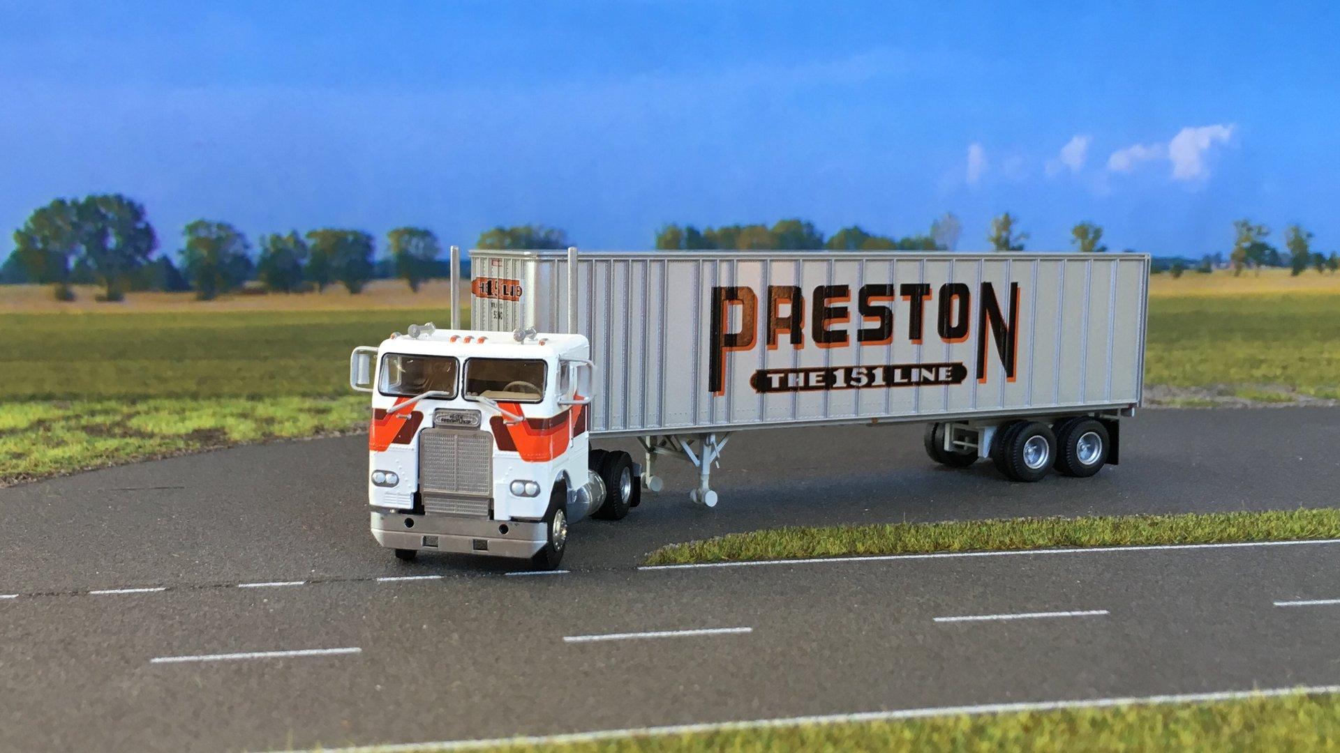 Freightliner Preston 02.jpg