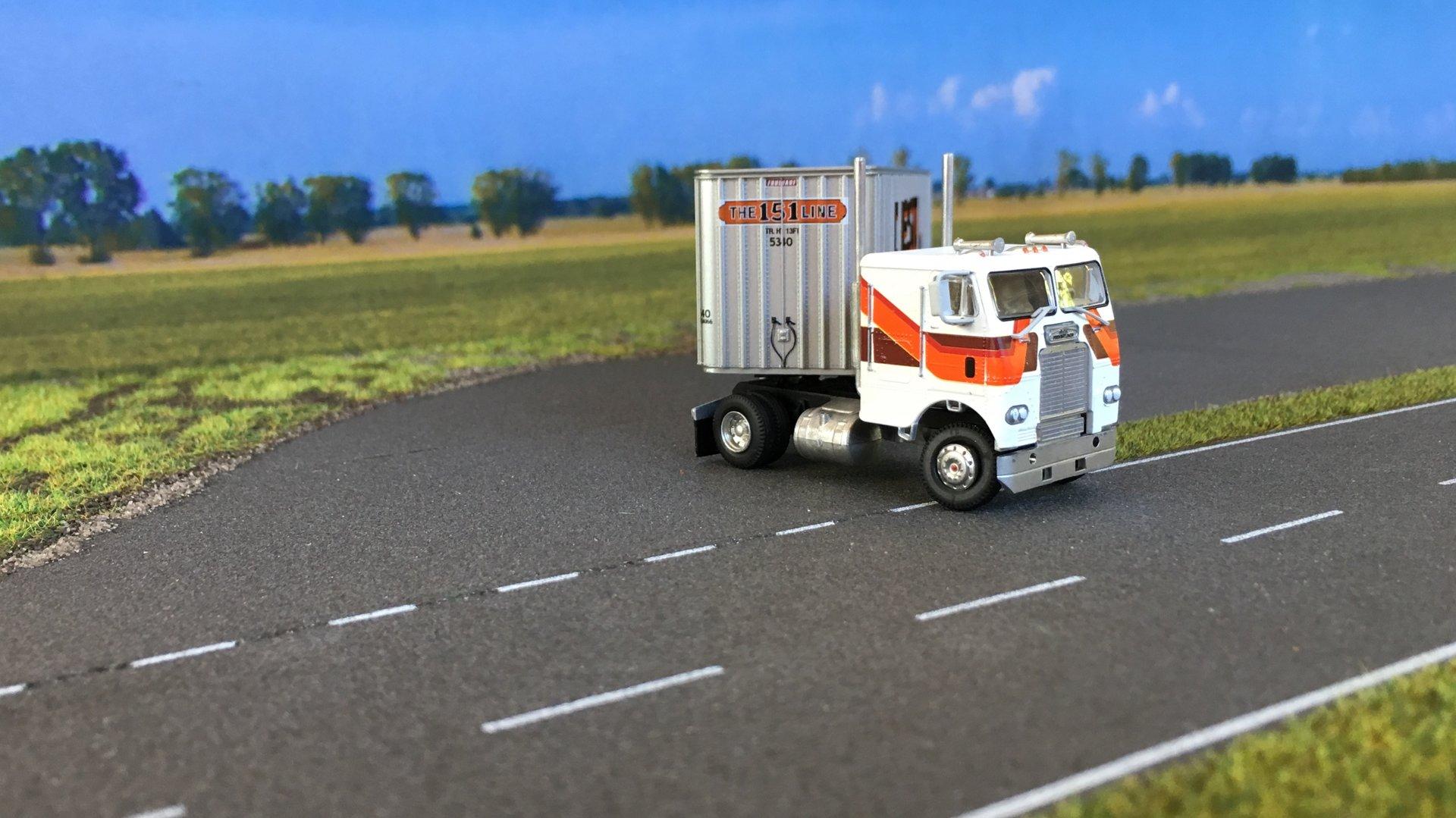 Freightliner Preston 03.jpg