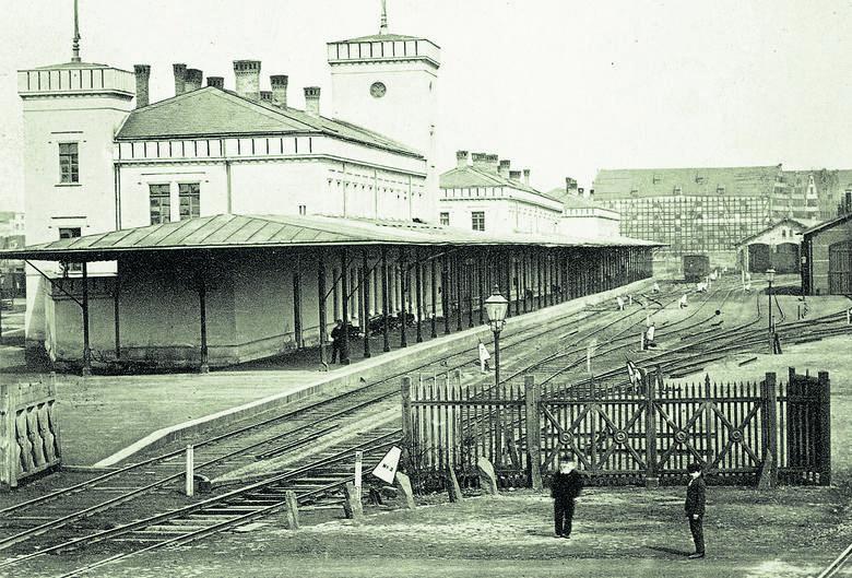 Gdańsk Brama Nizinna 1863-67.jpg