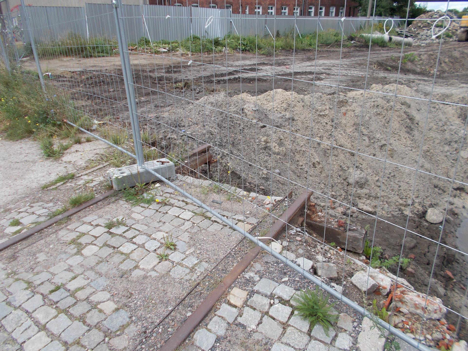 Gdańsk, dawne torowisko w ciągu ulicy Transportowców. 25.08.2018 (3).JPG