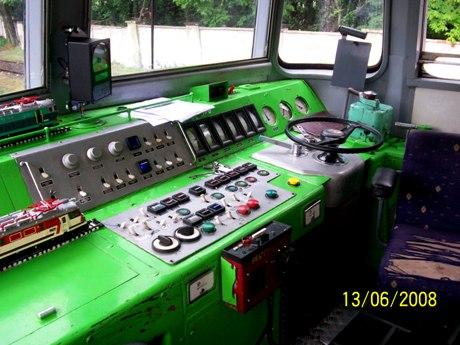 Kabina maszynisty ET22-.jpg