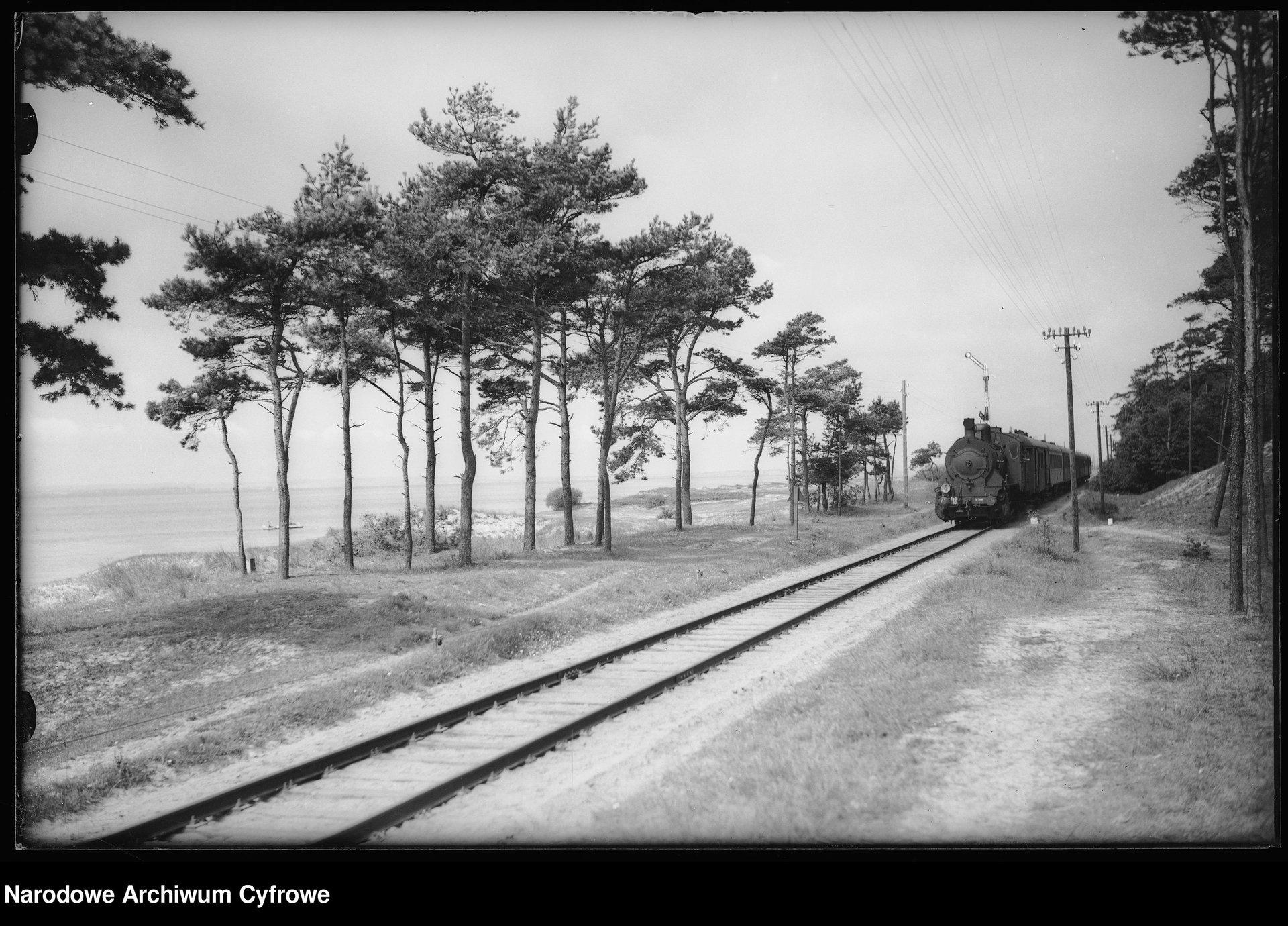 Kuźnica przed stacją lata 30 - 2.jpg