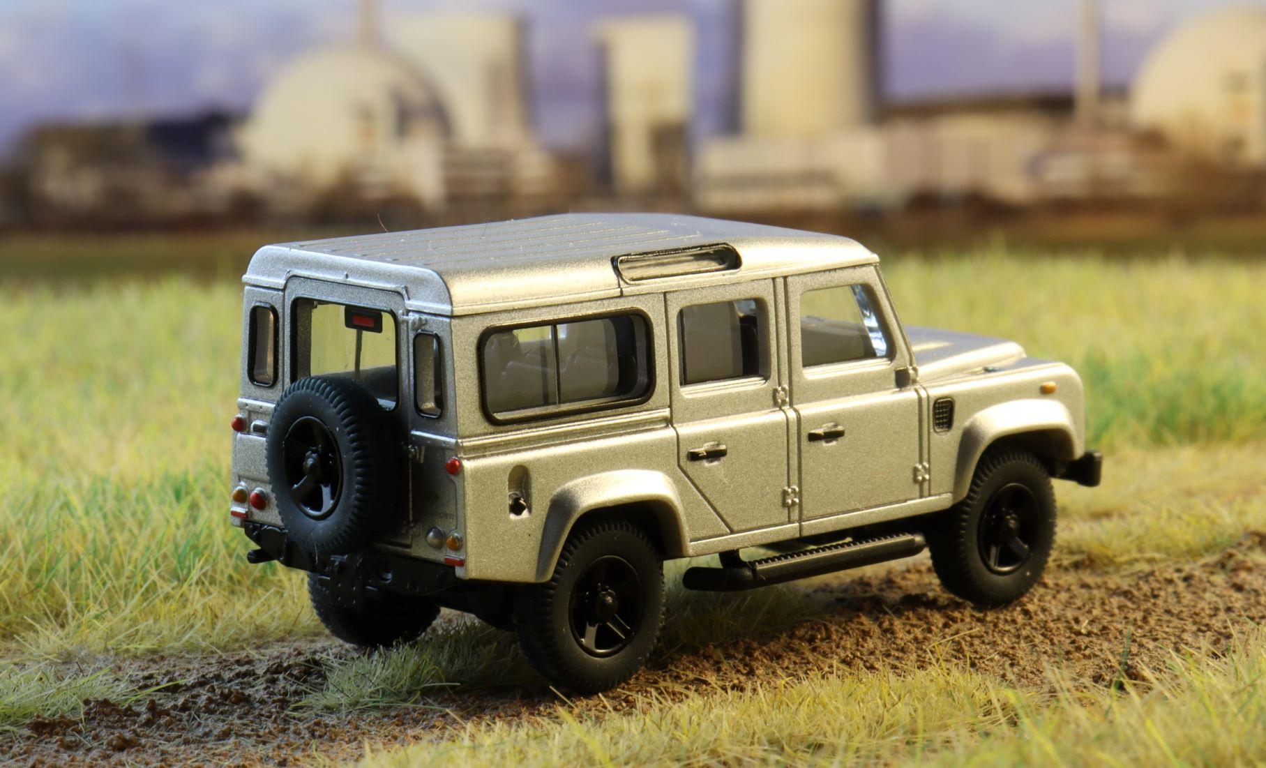 Land rover Defender Wiking 1 .JPG