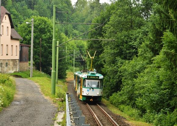 Leśny odcinek linii do Jablonca.-crop.JPG