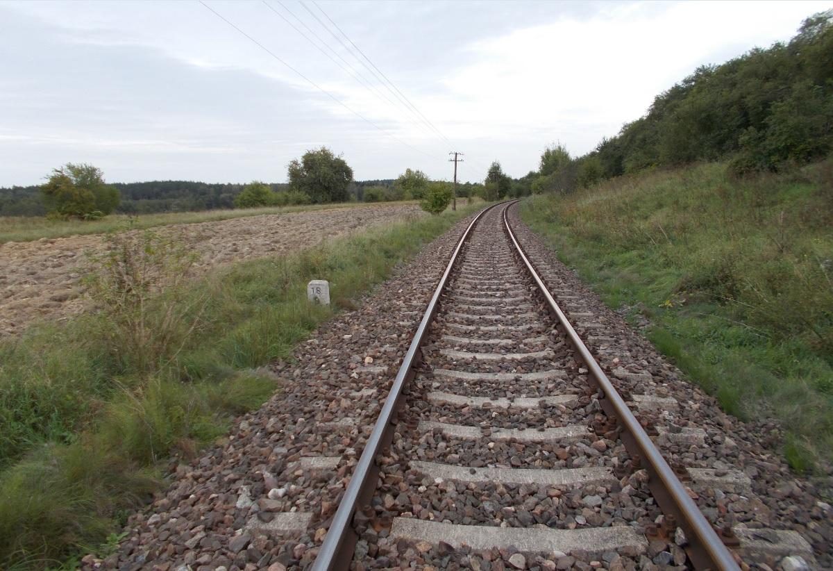 Linia kolejowa Gutkowo - Braniewo, odcinek Swobodna - Dobre Miasto, km. 18.8.jpg