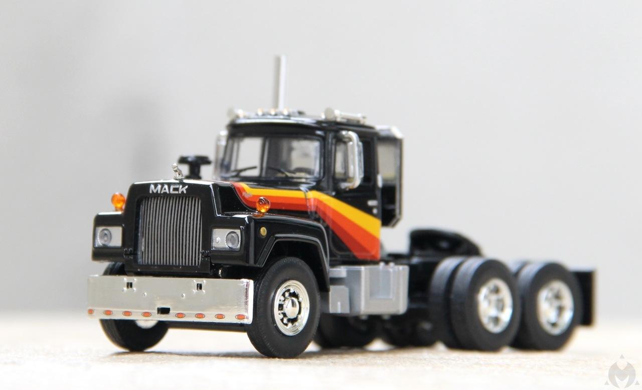 Mack-R-11.JPG