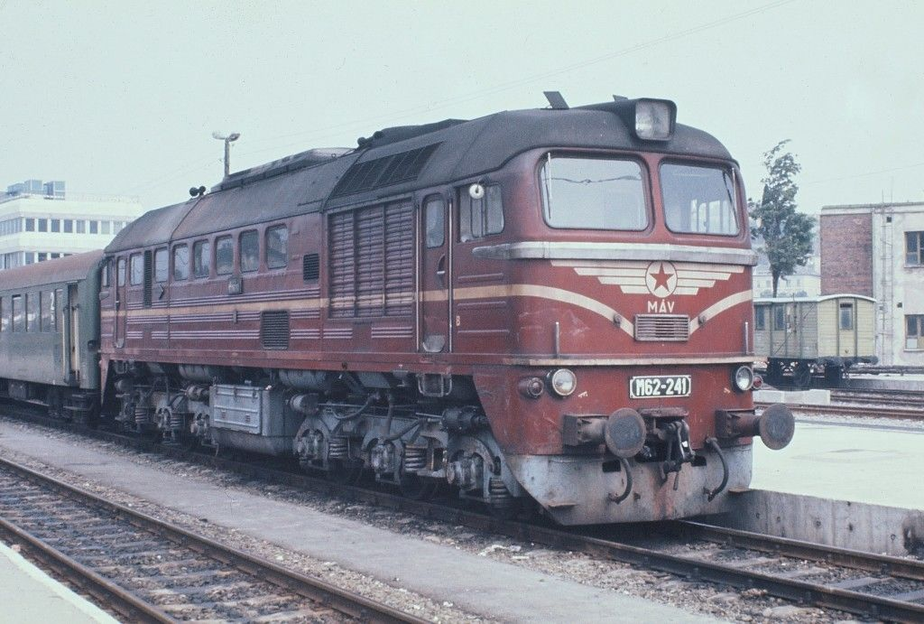 MAV M62-241 Hungary No date shown.JPG