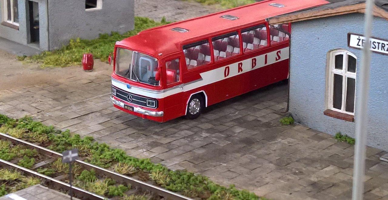 MB O302b.jpg