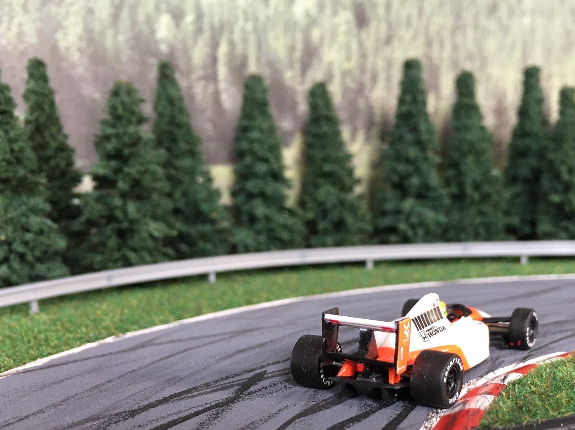 McLaren MP 4-6 Senna 011.jpg