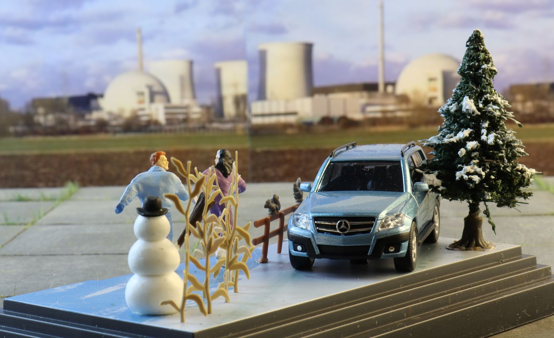 Mercedes GLK Zima diorama Busch 3 .JPG