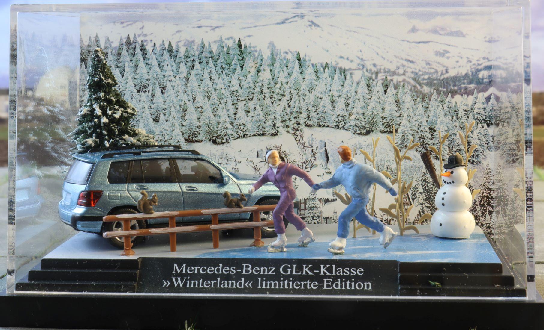 Mercedes GLK Zima diorama Busch .JPG