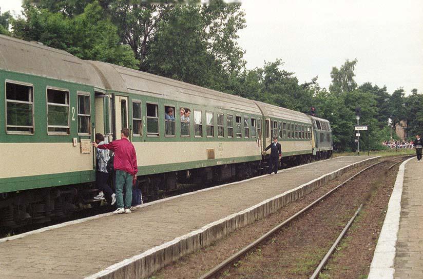 Neg. 5742_5_Pociąg do stacji Hel, na stacji Wła.jpg