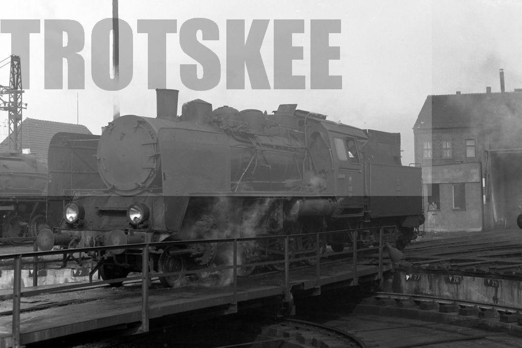 Oi2-31 1975.jpg