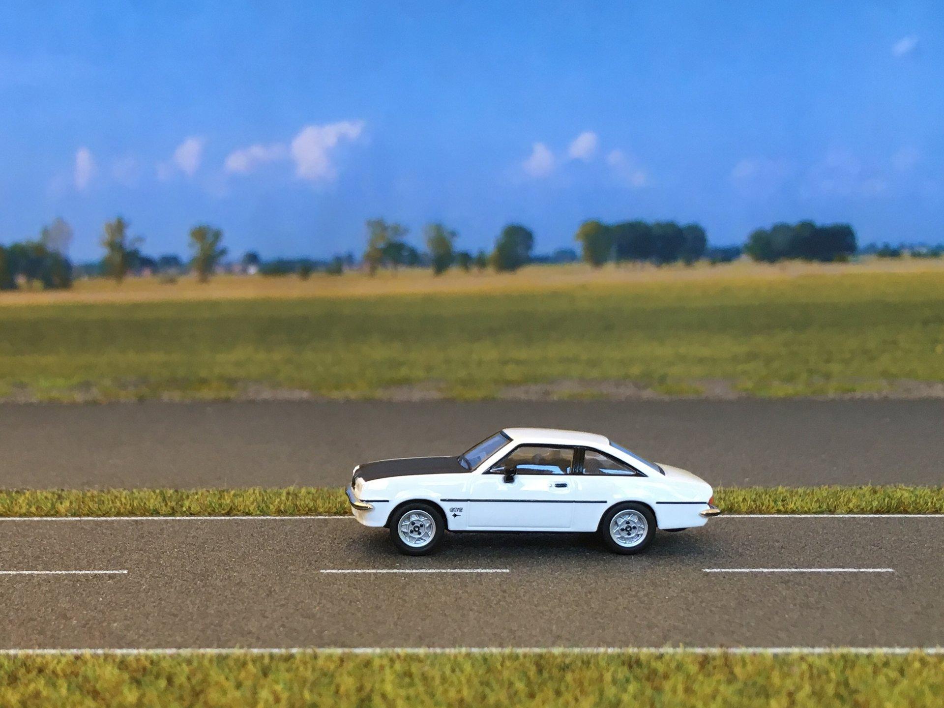 Opel Manta GTE 01.jpg