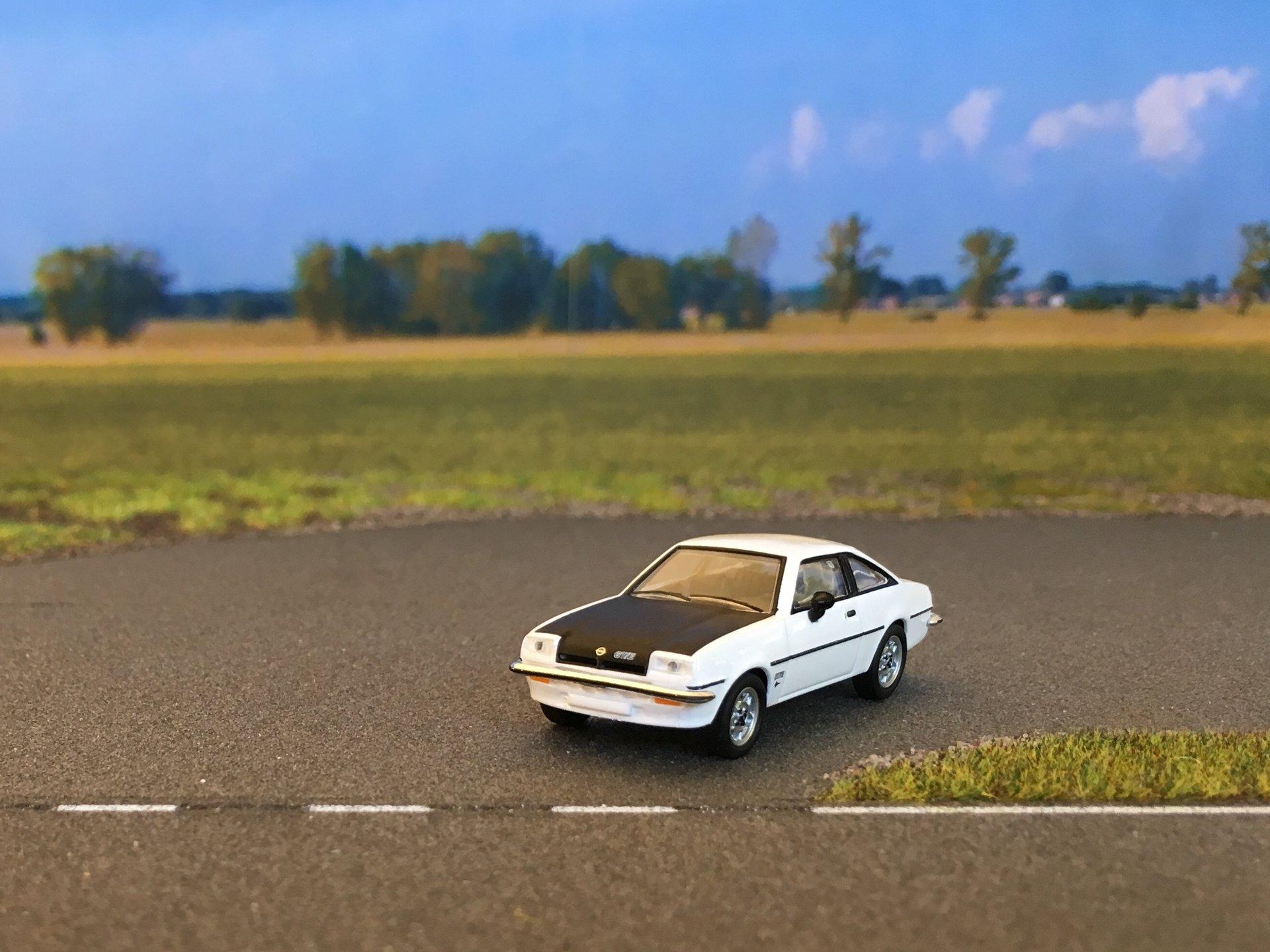Opel Manta GTE 02.jpg