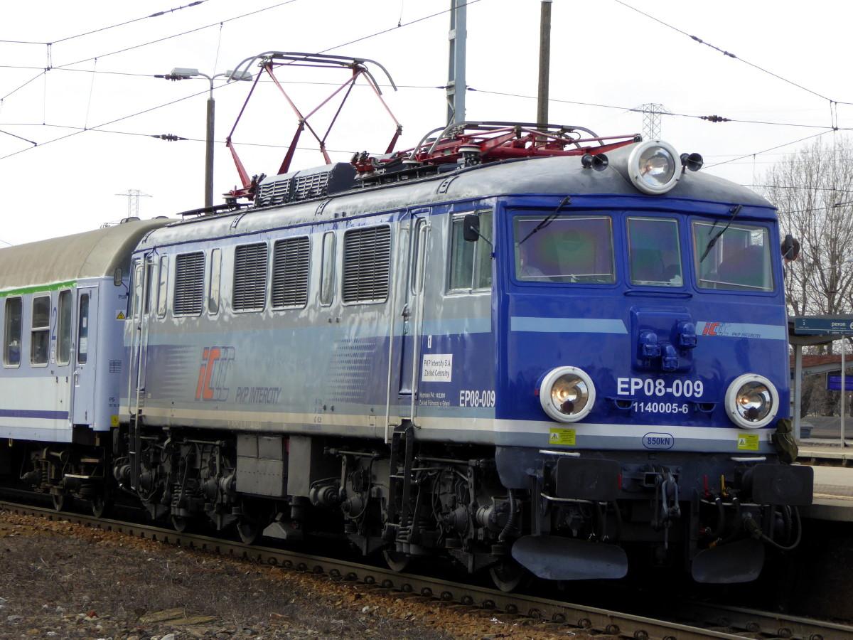 P1230947a_1.jpg