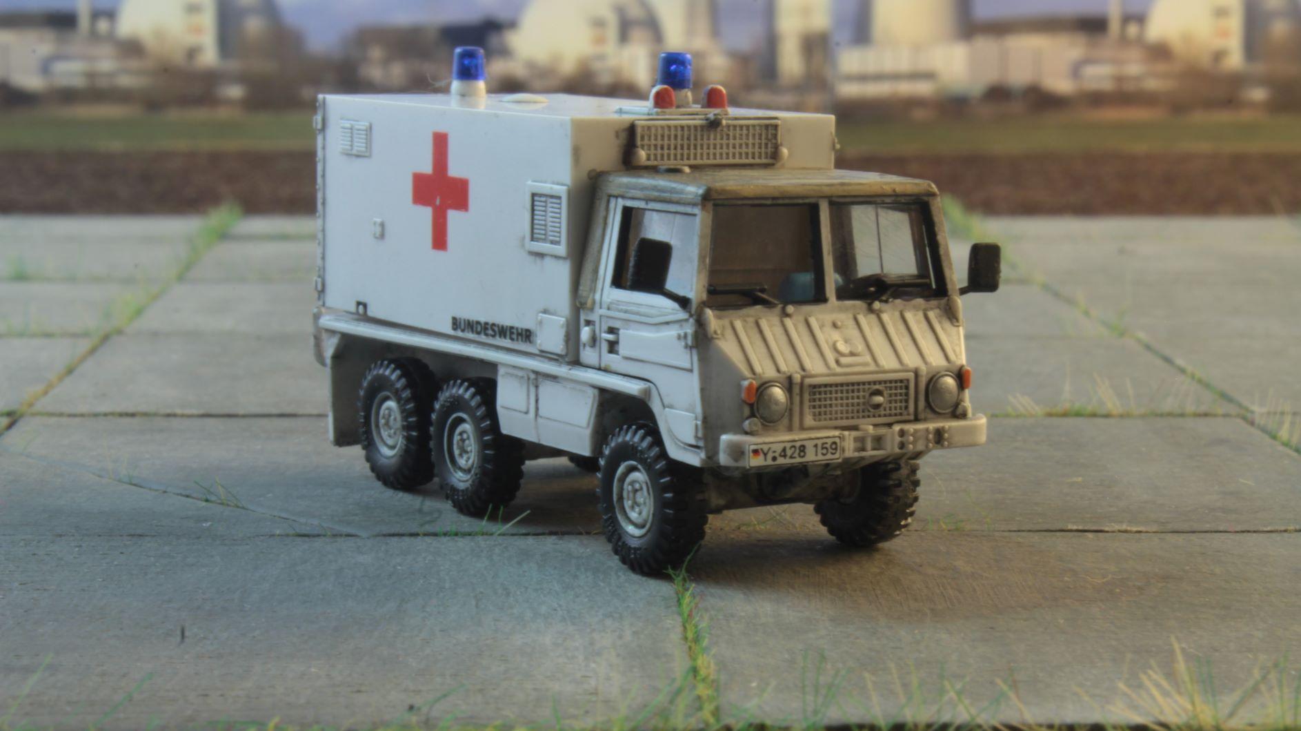 Pinzgauer 6x6 Roco Ambulans 3 JPG.JPG