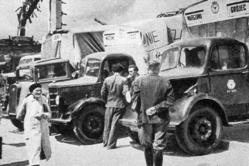 PKS Warszawa 1946.jpg