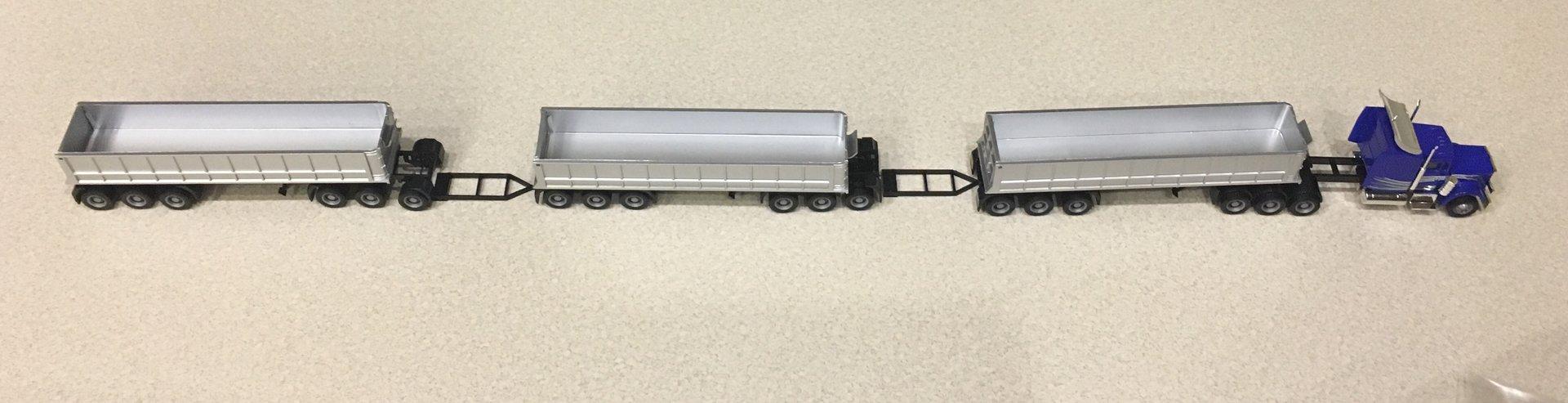 Pociąg drogowy przymiarka 01.jpg