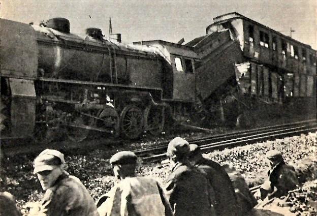 Pociąg niemiecki z Ty37 wykolejony na trasie Rozwadów - Lublin.jpg