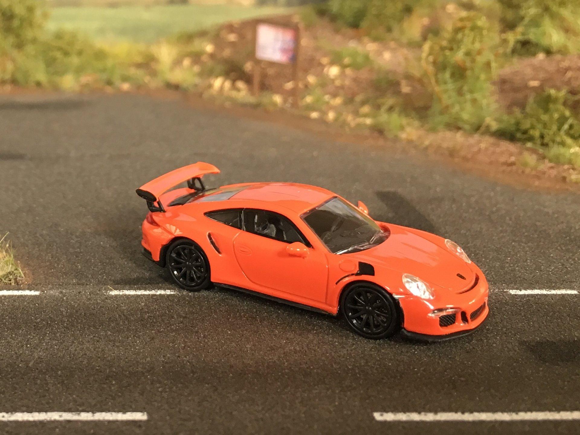 Porsche 911GT3RS 02.jpg