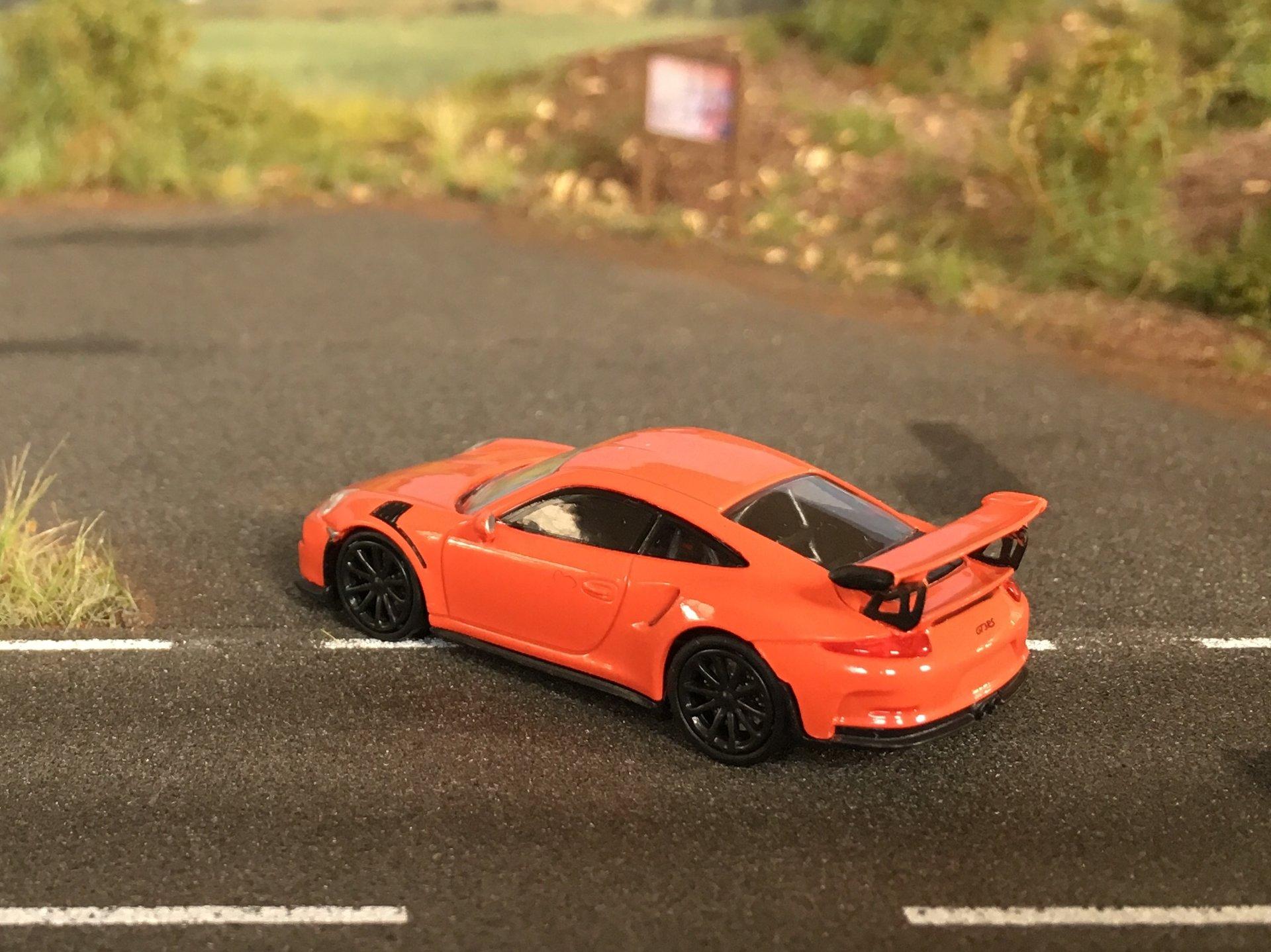 Porsche 911GT3RS 03.jpg