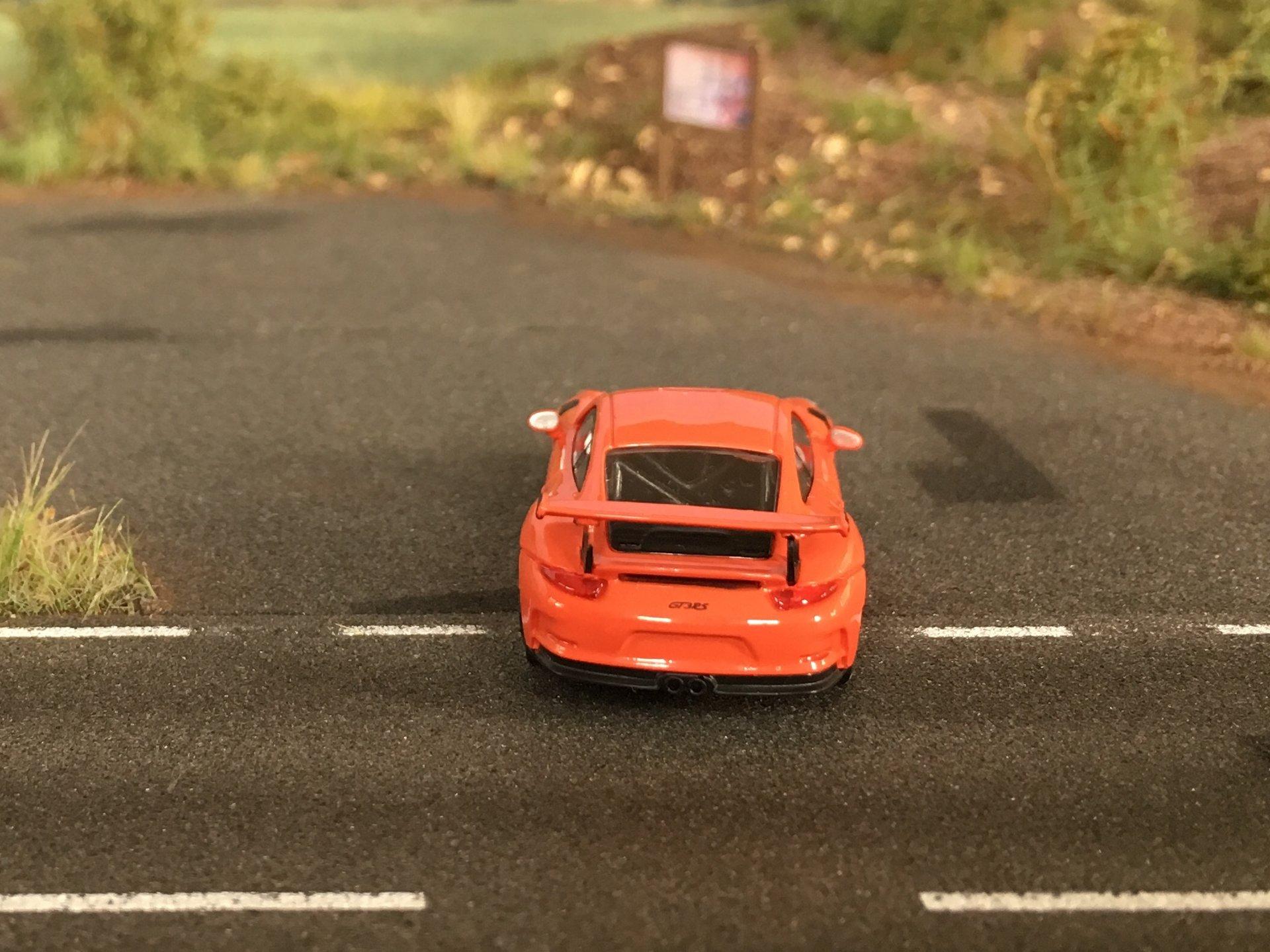 Porsche 911GT3RS 05.jpg