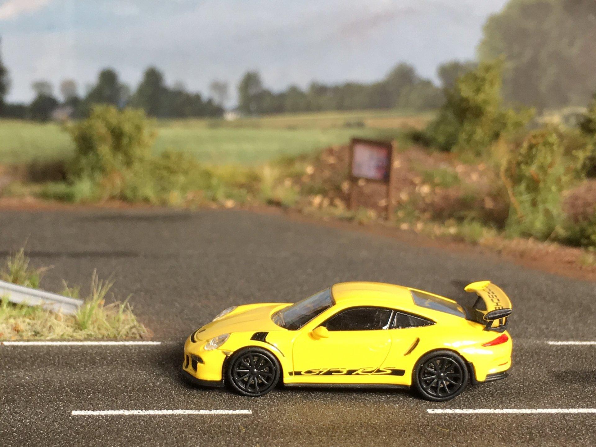 Porsche 911GT3RS napis 01.jpg