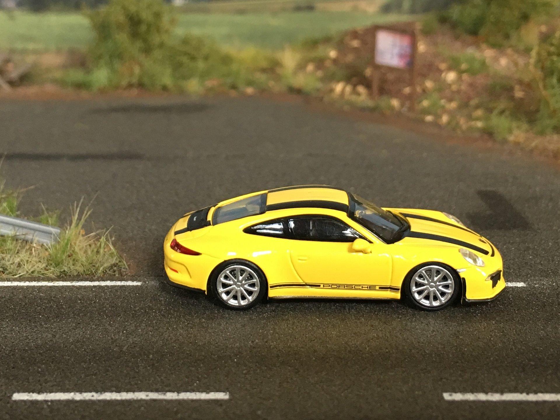Porsche 911R 04.jpg