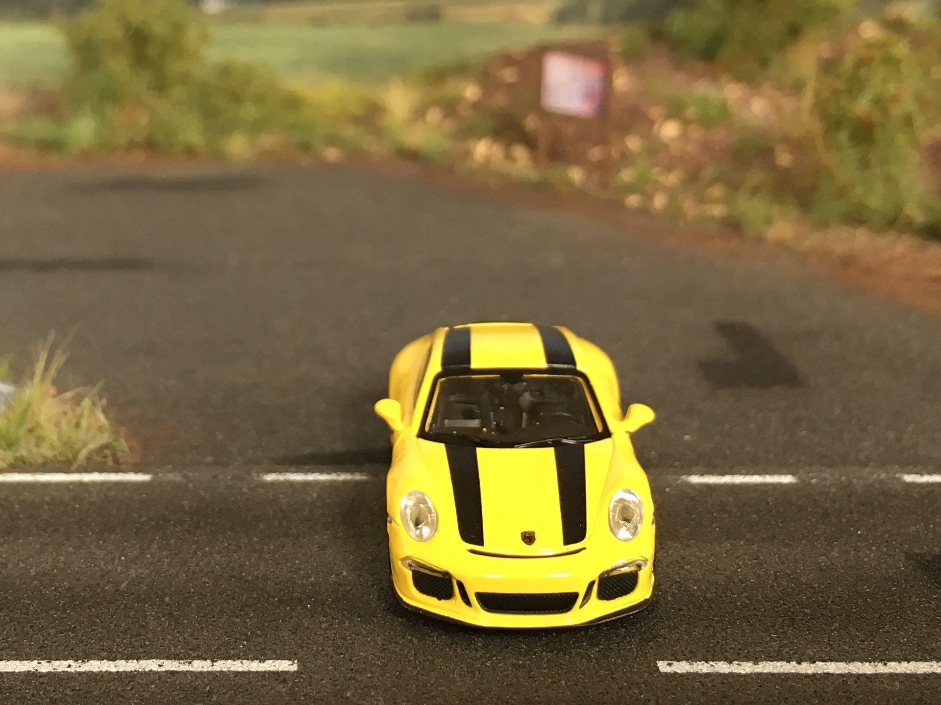 Porsche 911R 05.jpg