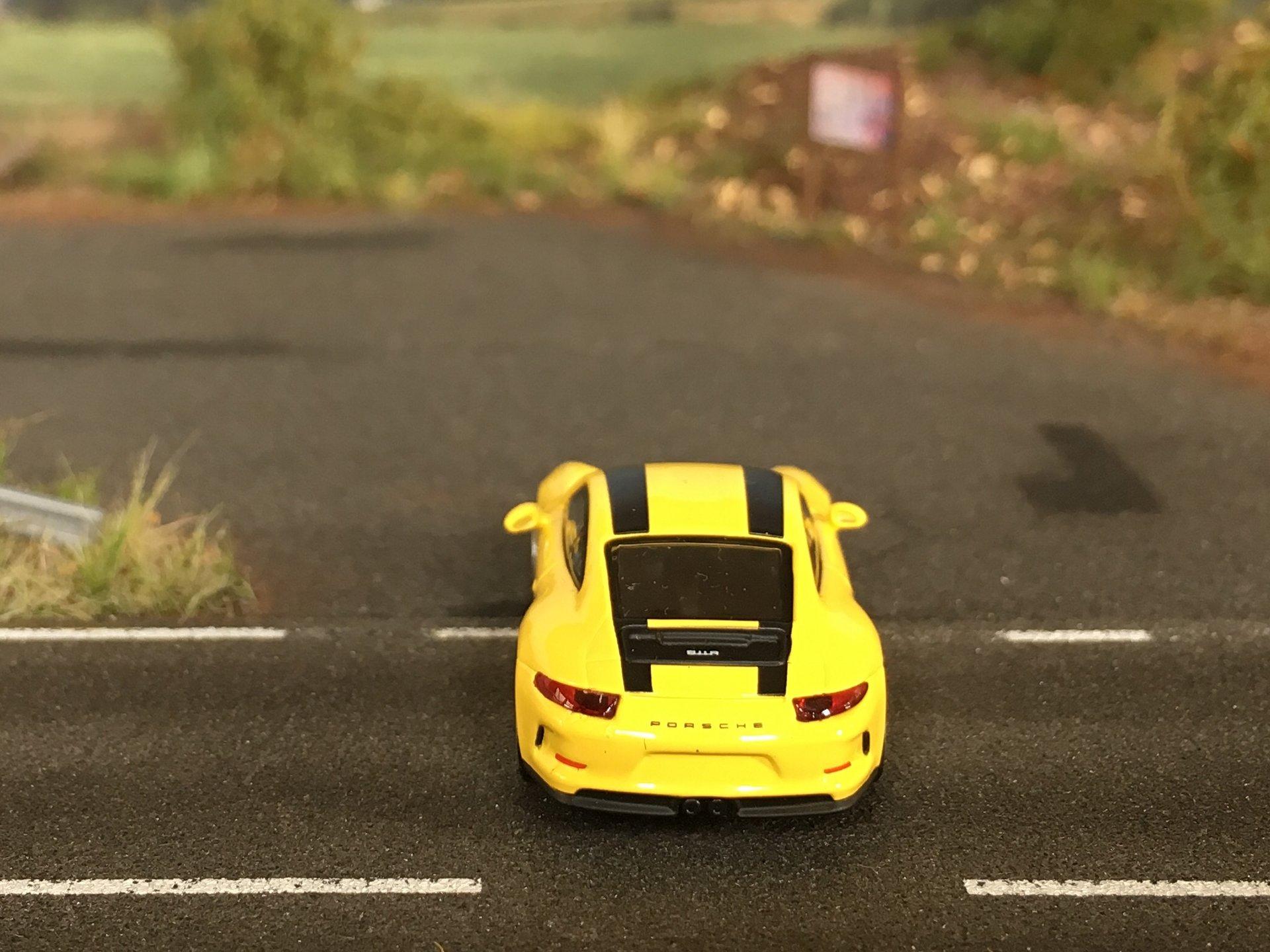 Porsche 911R 06.jpg