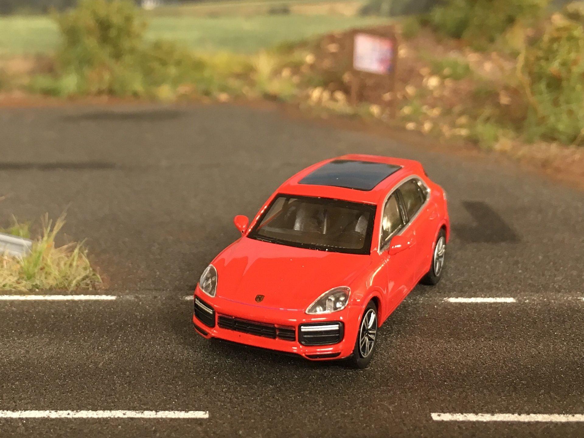 Porsche Cayenne Turbo 02.jpg
