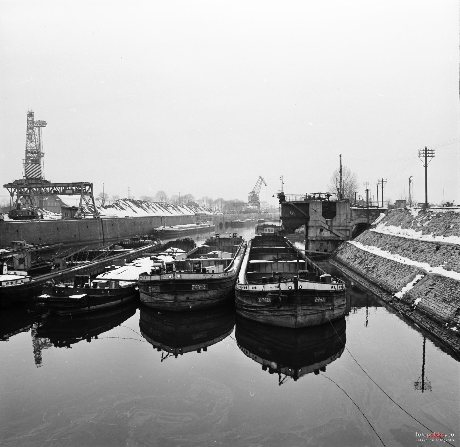 Port_rzeczny_Kozle_1361448_Fotopolska-Eu.jpg