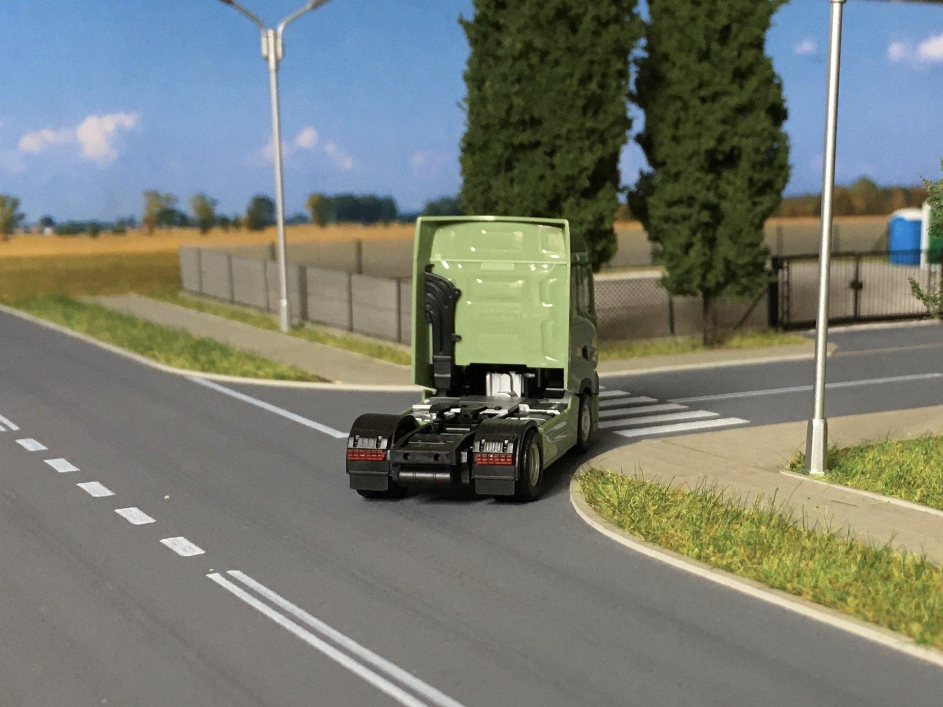 Renault T zielony 004.jpg