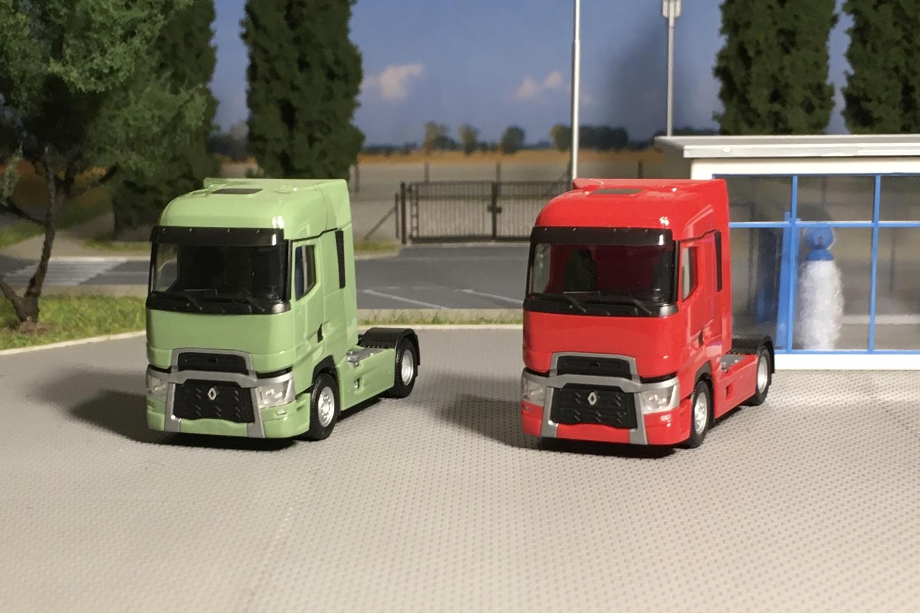 Renault T zielony i czerwony 001.jpg