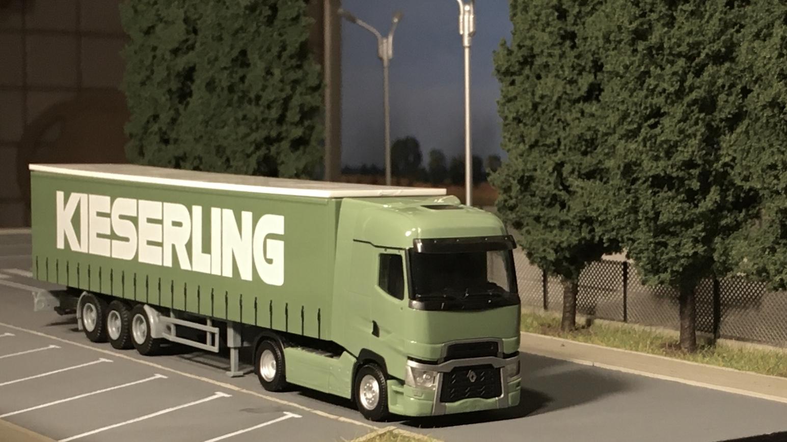 Renault T zielony Kieserling 002.jpg