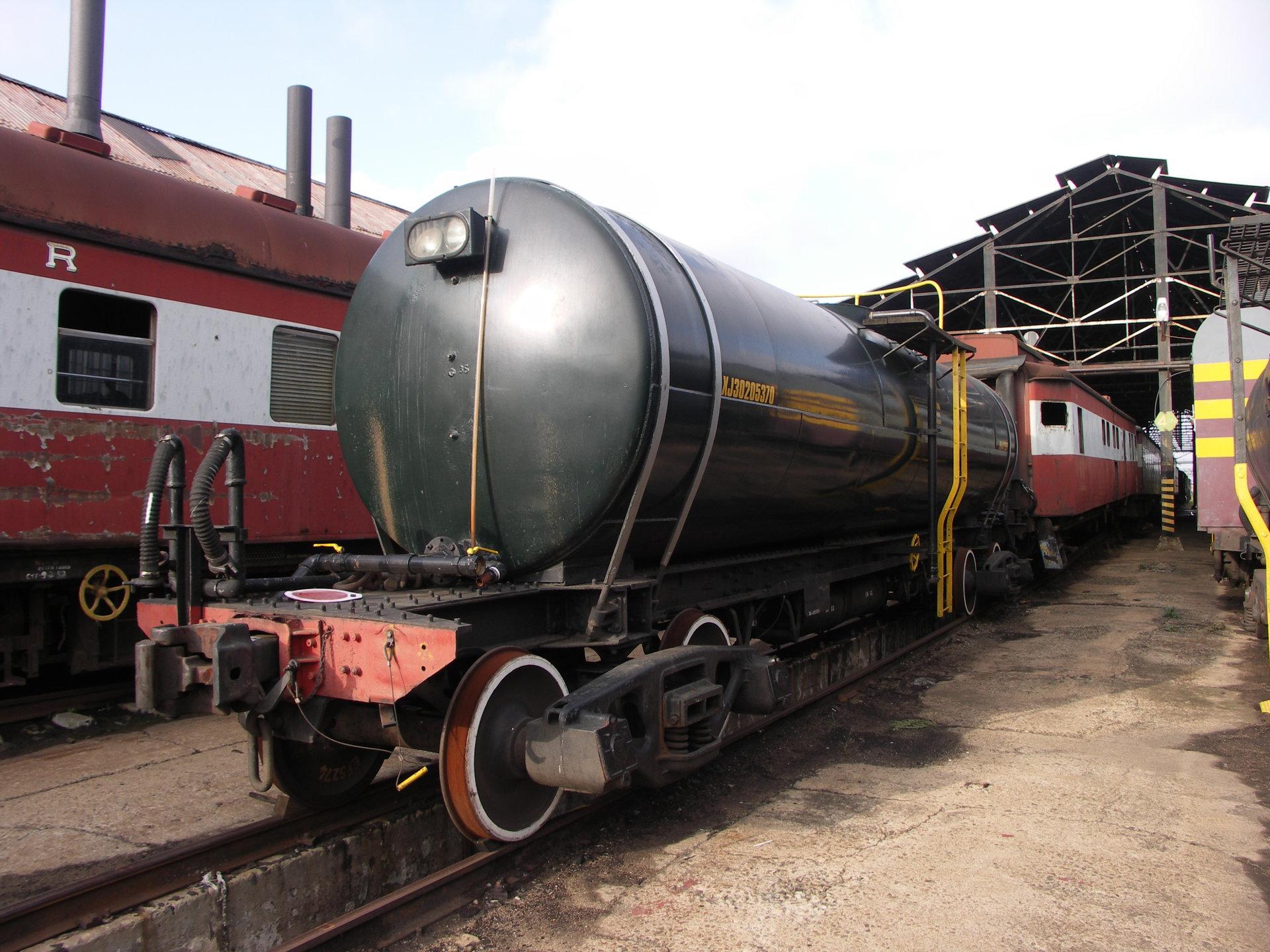 SAR_Water_tank_wagon-001.JPG
