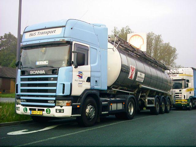 Scania-124-L-420-H+S-Rolf-290406-01.jpg