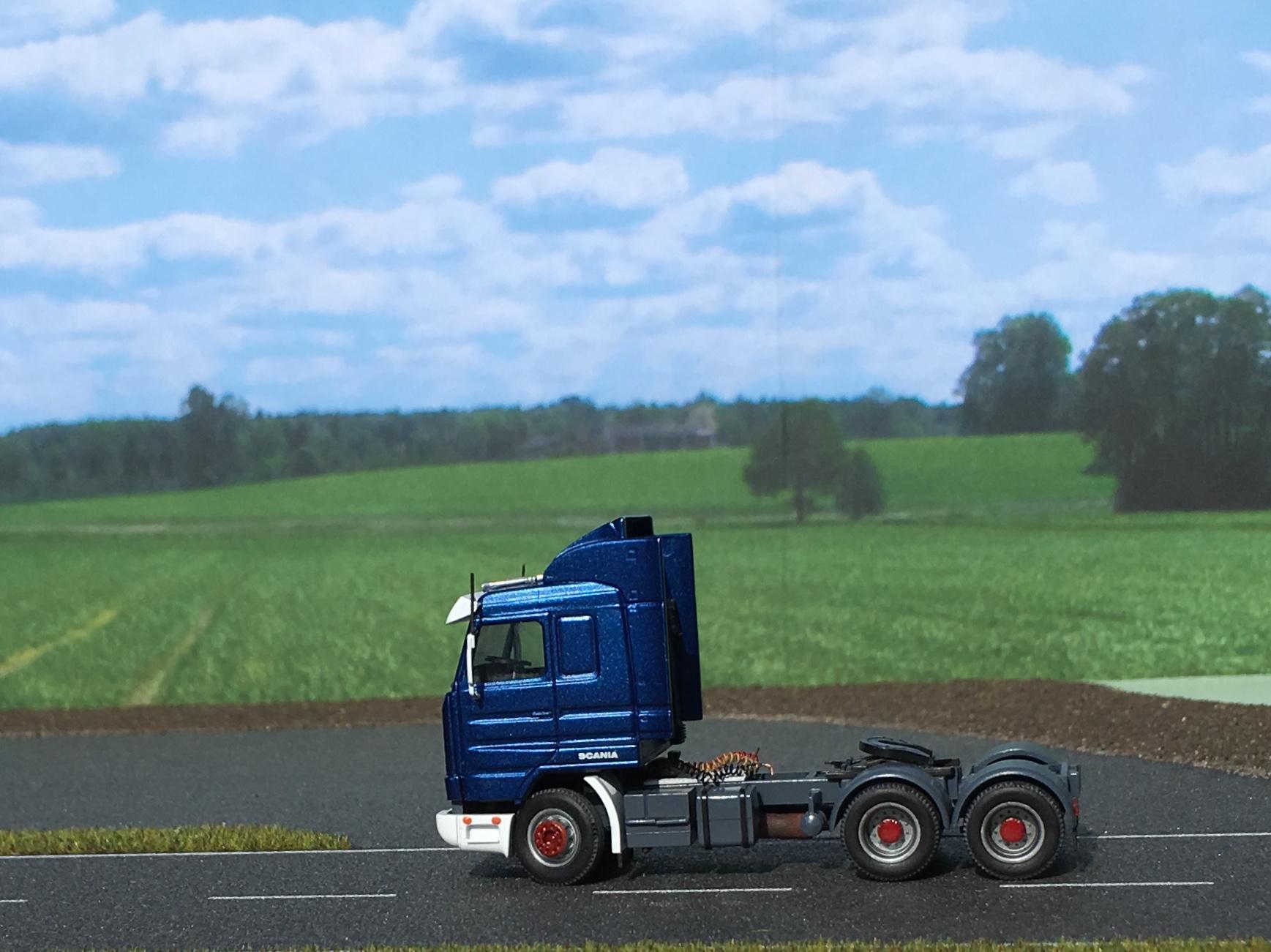 Scania AWM ciągnik 001.jpg