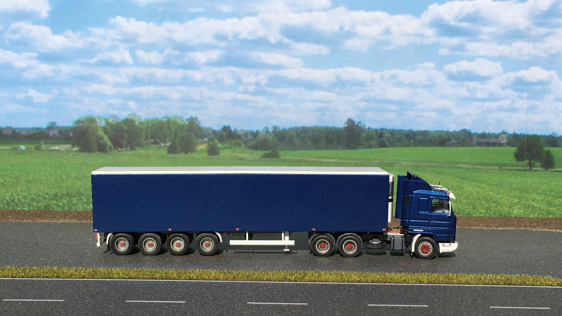 Scania AWM Naczepa 001.jpg