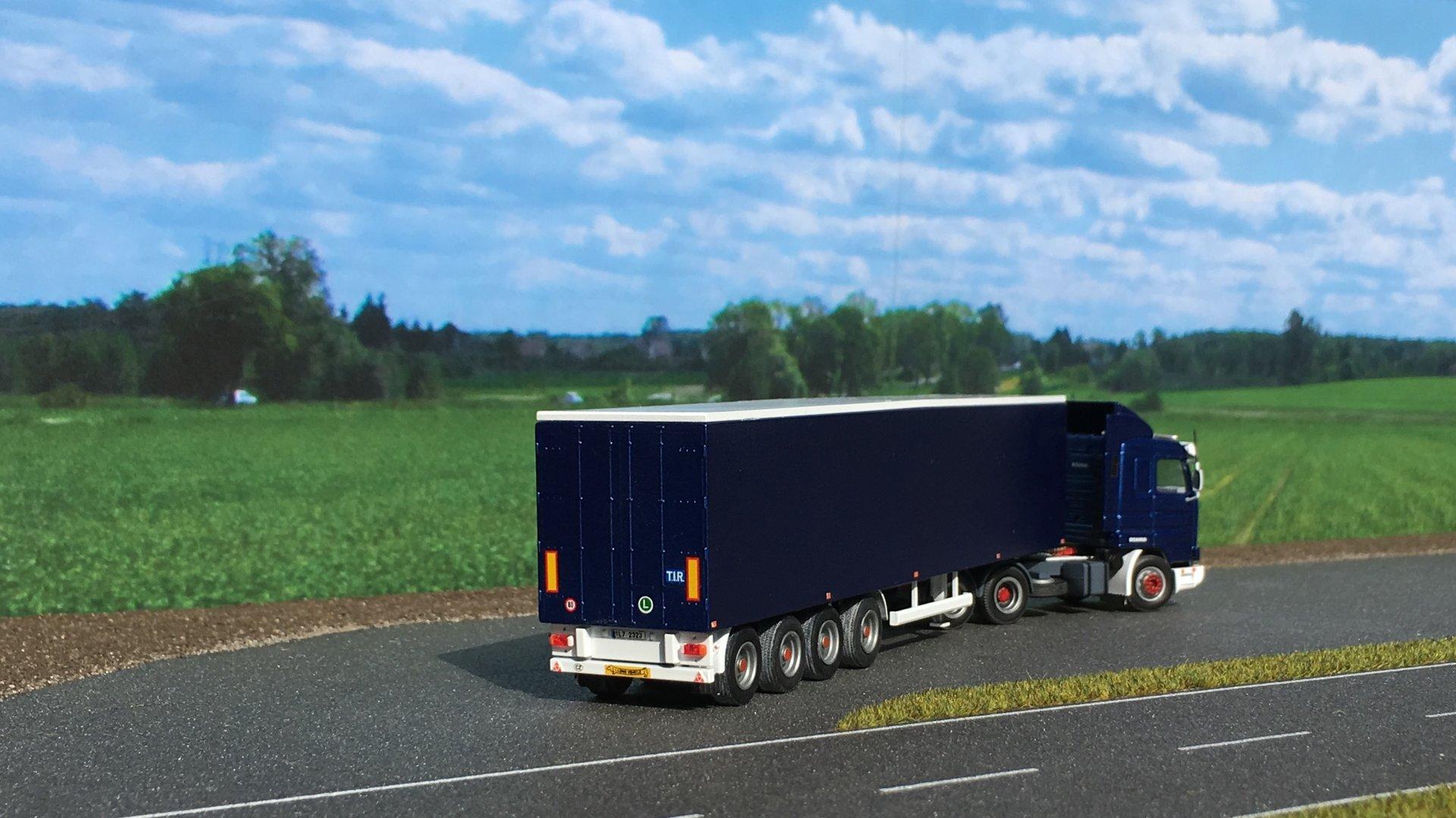 Scania AWM Naczepa 004.JPG