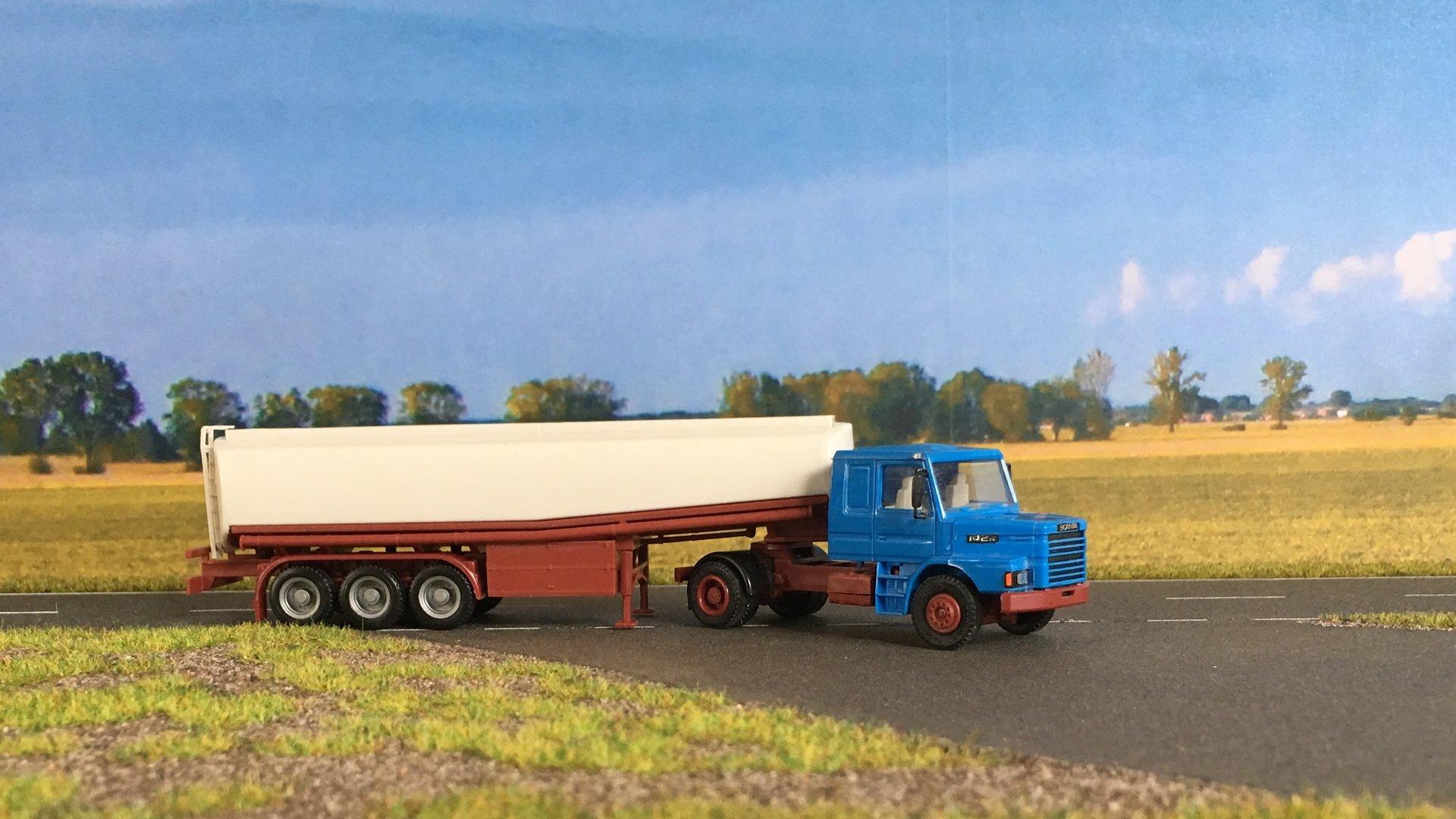 Scania cysterna 001.jpg