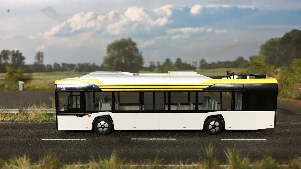 Solaris Urbino electric bia 001.jpg