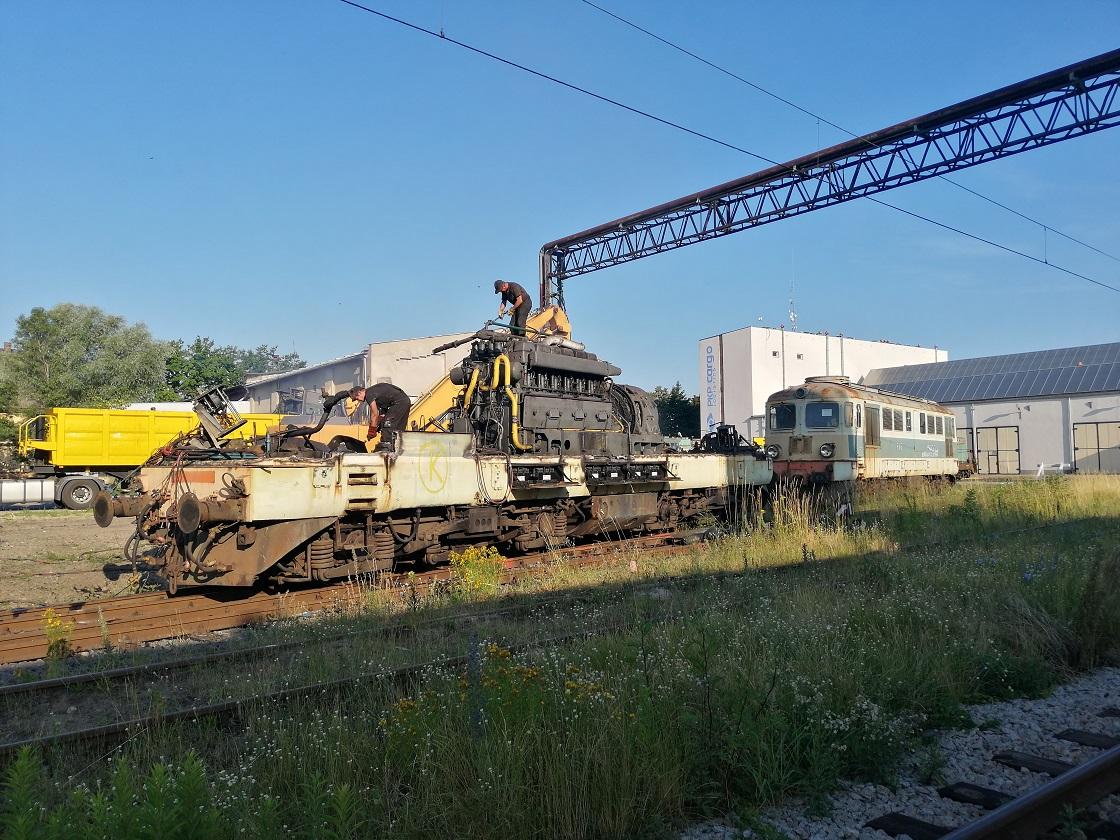 ST43-117 i 344 Brochów 25.06.2019.jpg