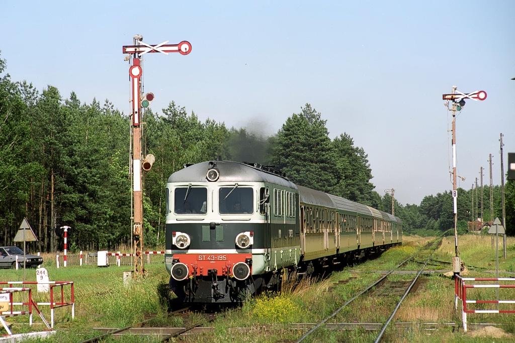 ST43-195 (2).jpg