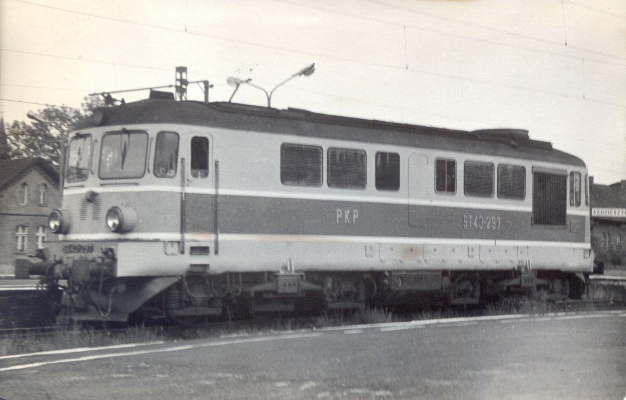 ST43-297a Kędzierzyn K. 1992.jpg