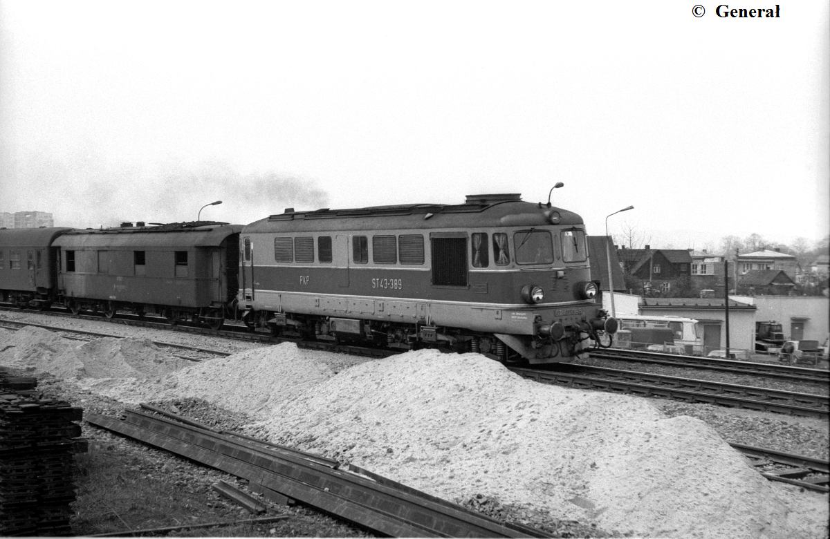 ST43-389 NOWY SACZ 04 84 (2).jpg