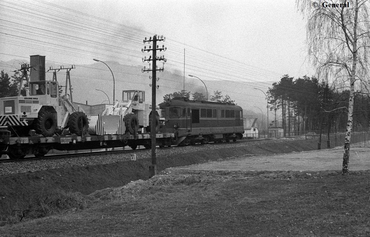 ST43  Piwniczna 1984  (1).jpg